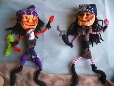 Pirate apple head dolls. Kind of creepy, but kind of awesome too!