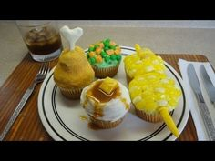 Decorating Cupcakes: #65 Cupcake Dinner (veggies, spuds, chicken)
