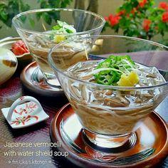 お土産で頂いたじゅんさいで素麺✨ 瓶入の水煮タイプなので生じゅんさいとは 色も違いますが、つるんと美味しいです  たっぷりの鰹と昆布のお出しに浸して 冷やして、おろし生姜を添えて・・ 暑い日にさらっと食べれる一品です('-'*)♪ - 76件のもぐもぐ - 冷たくてさっぱり~【*☆じゅんさいの一口素麺☆*】 これからの季節にピッタリ✨ by Uka1104