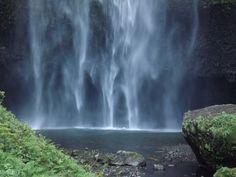 Hiking to the Top of Multnomah Falls