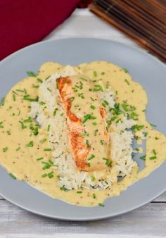 Gebratener Lachs in Honig-Senfsauce – Zimt & Chili fried salmon in honey mustard sauce – salmon – honey mustard sauce – easy – quick – recipe – milk-free – gluten-free – fish – fried salmon – low carb – clean eating Clean Eating Recipes For Dinner, Clean Eating Meal Plan, Clean Eating Breakfast, Eating Plans, Clean Eating Snacks, Healthy Snacks, Salmon Recipes, Lunch Recipes, Seafood Recipes