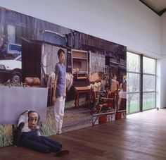 Aernout Mik in It's Unfair! © Gert Jan van Rooij, Museum De Paviljoens