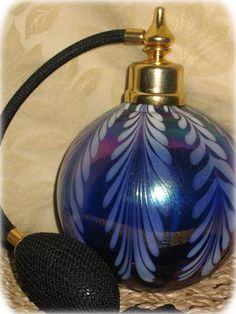 Antique & Collectible Perfume Bottles & Atomizers