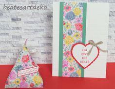 Projekt 2: Tetra-Box/ Sour Cream -Verpackung 4x6 Inch DSP ( Designer Papier ) zuschneiden ,verarbeiten und dekorieren. Restpapier ( 2 x 6 Inch) wurde zur Ermutigungs Karte weiter verarbeitet. Sour Cream, Creative, Designer, Box, Color, Paper, Cash Gifts, Seasons Of The Year, Packaging