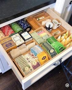 Affordable Kitchen Organization Ideas On A Budget - Küchenumgestaltung - Kitchen Organization Pantry, Home Organisation, Kitchen Storage, Kitchen Decor, Tea Organization, Drawer Storage, Drawer Dividers, Kitchen Hacks, Tea Storage