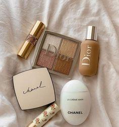 Cream Aesthetic, Classy Aesthetic, Brown Aesthetic, Aesthetic Makeup, Cute Makeup, Makeup Looks, Beauty Skin, Beauty Makeup, Perfume