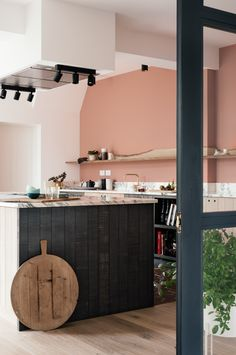 A mix of natural textures and soft colours in this stylish Sebastian Cox Kitchen by deVOL Home Decor Kitchen, Kitchen Interior, Devol Kitchens, Farrow And Ball Paint, Deco Addict, Loft Studio, Ikea, Kitchen Flooring, House Painting