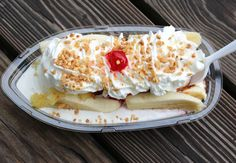8 Cincinnati Dessers to Ruin Your Diet Cincinnati Food, Grubs, Doughnuts, Icecream, Macaroni And Cheese, Diet, Ethnic Recipes, Desserts, Tailgate Desserts