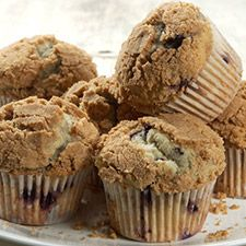 Gluten-Free Fruit Muffins with Streusel Topping: King Arthur Flour.I don't use the streusel. I just use the batter and put chocolate chips and cinnamon and sugar on top! Gluten Free Sweets, Gluten Free Baking, Gluten Free Recipes, Flour Recipes, Gluten Free Blueberry Muffins, Blue Berry Muffins, Free Fruit, Gluten Free Breakfasts, Foods With Gluten