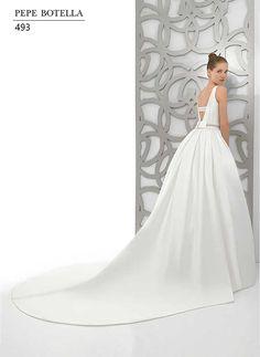 Colección Pepe Botella 2015. ENTRENOVIAS, es una tienda de vestidos de novia, fiesta y madrina. Más información en www.entrenovias.es