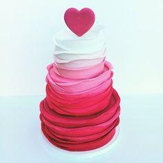 Featured Wedding Cake: Sweet On Cake