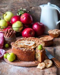 1,875 отметок «Нравится», 28 комментариев — Irina Meliukh (@saharisha) в Instagram: «Apple cake with walnut, brown sugar and cinnamon streusel 🍎 В этом кексе всего одно яблоко, которое…»