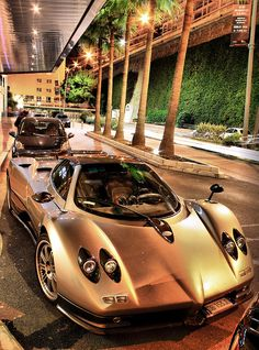 Gold Luxury Glamurous Car and Lifestyle | Find more luxury inspirations and ideas in http://www.bocadolobo.com/en/inspiration-and-ideas/