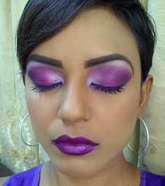 violet makeup with violet lips