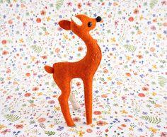 Ciervo Figura, Art Doll, Regalo Único, Dadanoias, Handmade, Muñeco, Fieltro de Lana, Waldorf animal, handmade deer, fawn, baby fawn, bambi