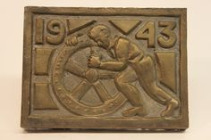 Class of 1943 bronze time capsule cover