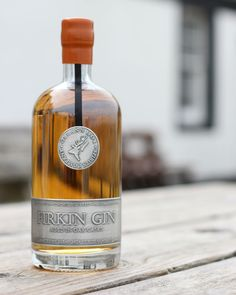 Notes from the Firkin Gin launch event, held at Mark Greenaway's Bistro Moderne in Edinburgh. Whiskey Trail, Bourbon Whiskey, Whisky, Scottish Gin, Gin Distillery, Craft Gin, Wine And Liquor, Coriander Seeds, Bottle Packaging