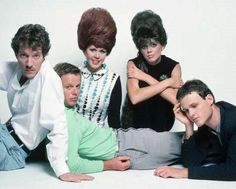 B-52s 1980s Pop Culture, Pop Culture News, 80s Music, Good Music, Mad Men Hair, Kate Pierson, Cindy Wilson, Ugly Hair, B 52s