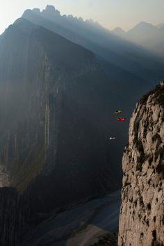 I sooooo wanna do this!!! Base jump