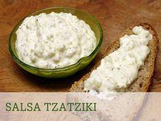 ¡Atrévete con esta salsa de origen griego y acompaña tu receta con unas magníficas crudités de zanahoria y apio!
