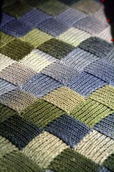 Entrelac - Beautiful Afghan Blanket - love the colours Yarn Projects, Knitting Projects, Crochet Projects, Knitted Afghans, Knitted Blankets, Knitted Baby, Baby Blankets, Knit Or Crochet, Crochet Crafts
