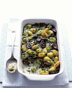 Baked gnocchi with spinach and mushrooms