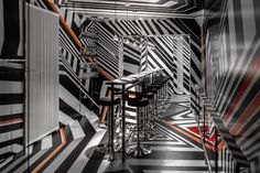 New York Bar Oppenheimer by Tobias Rehberger. German artist Tobias Rehberger has created a temporary replica of his favourite Frankfurt bar in a New York hotel and covered the entire thing in bold geometric stripes. New York Bar, New York City, Frankfurt, Hotels In New York, Nyc Hotels, Tobias Rehberger, Dazzle Camouflage, Frieze Art Fair, Bar Interior
