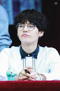 [HD] 161023 BTS Busan Fan Signing © iSuga  #Suga #MinYoongi #MinPd Dream... Hope... Keep going ・・・・・☆