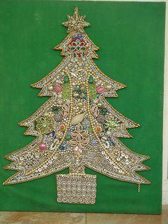 Vintage - Jewelry Christmas Tree