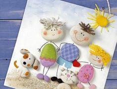 activité-manuelle-maternelle-galets-décorés-famille-de-galets-maman-papa-et-enfants-materiaux-usuels