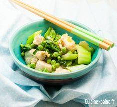 Recette sans gluten Recette sans lait Recette bio Un wok de légumes verts et de poulet, vite fait bien, fait pour ne pas passer trop de temps en cuisine quand le soleil nous appelle à l'extérieur. Facile, rapide, gouteux et léger alors on en redemande ! En plus fait avec les petits pois de mon …
