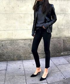 This Street Style Star Wears Pointed-Toe Shoes With Every Outfit Mode Chic, Mode Style, Style Me, Style Star, Outfit Elegantes, Chic Outfits, Fashion Outfits, Fall Outfits, Summer Outfits