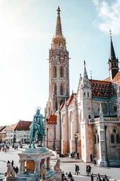 Ultimate 3 days in Budapest itinerary jam-packed with travel tips. A complete guide + map with all the information you need to plan your Budapest itinerary. Voyage Europe, Europe Travel Guide, Budapest Travel Guide, Travel Destinations, Travel Checklist, Travel Packing, Travel Backpack, European Destination, European Travel