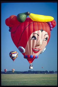 Carmen Miranda - Chic-I-Boom hot air balloon, posted via pix.com.ua