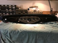 Classic, simple dash always works in a 32 roadster. Pinstriping by Geet.