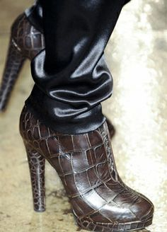 2014 FALL/WINTER SHOE TRENDS | Donna-Karan-trends-leather-shoes-with-heels-fall-winter-look-2014