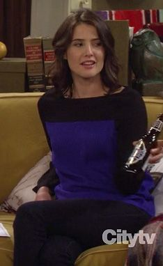 How I met your mother - Robin Scherbatsky - Robin Sparkles - Cobie Smulders - HIMYM Fashion Tv, Fashion Outfits, Robin Scherbatsky, Cobie Smulders, How I Met Your Mother, Stitch Fix Stylist, I Meet You, Color Block Sweater, Black Tops