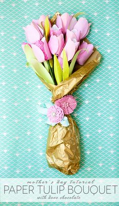 dove mothers day DIY paper flower tulip bouquet How Fabulous are these paper tulips, if your mom has a allergy to flowers then this , cheery Boutique is perfect for her and it has chocolate to satisfy her sweet tooth Handmade Flowers, Diy Flowers, Paper Flowers, Flower Ideas, Diy Paper, Paper Crafts, Homemade Gifts For Mom, Dove Chocolate, Tulip Bouquet