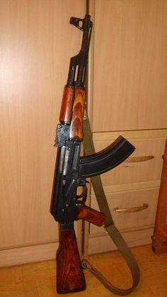 İllegal ? Airsoft Guns, Weapons Guns, Guns And Ammo, Assault Weapon, Assault Rifle, Ak 47, Kalashnikov Rifle, Fille Gangsta, Chapo Guzman