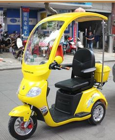 TZ YZ 02 The old man electric tricycle scooter Disabled Scooter-in . Electric Tricycle, Electric Scooter, Electric Chair, Street Legal Golf Cart, Best Electric Bikes, Retro Scooter, Car Gadgets, Mini Trucks, Old Men