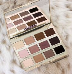 Just got this pallet for Christmas! Highly recommended ladies!!