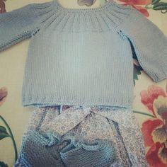 Conjunto azul #pololo #jersey #patucos #handmade #hechoamano #knitting #ropadebebé #ropabebe #babysclothes #algodon #mamamadejas