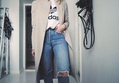 Adidas t-shirt - lainahöyhenissä | Lily.fi
