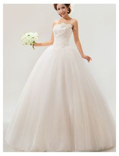 Tulle Strapless Neckline Ball Gown Wedding Dress with Bowknot Decoration $309.99