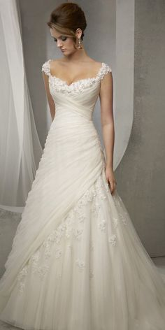 Elegant Tulle Sweetheart Neckline Natural Waistline A-line Wedding Dress With Be. - Elegant Tulle Sweetheart Neckline Natural Waistline A-line Wedding Dress With Beaded Lace Appliques Source by - Wedding Dress Trends, Elegant Wedding Dress, Perfect Wedding Dress, Dream Wedding Dresses, Elegant Dresses, Pretty Dresses, Bridal Dresses, Beautiful Dresses, Wedding Gowns