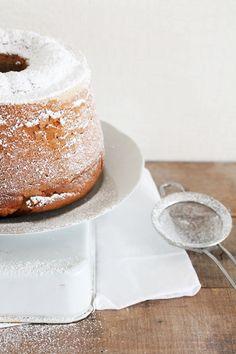 almond ring cake