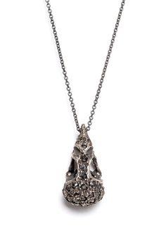 Gothic Jewelry, Jewelry Art, Necklaces, Pendant Necklace, Jewels, Jewelery, Gemstones, Jewelry, Jewerly