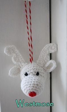 Crochet For Free: Christmas A lot of crochet christmas decorations reindeer amigurumi Crochet Christmas Decorations, Christmas Crochet Patterns, Crochet Ornaments, Holiday Crochet, Christmas Knitting, Crochet Crafts, Yarn Crafts, Crochet Projects, Free Crochet