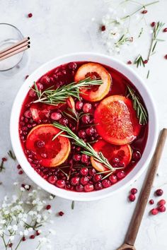This Christmas Punch is refreshing, filled with seasonal pomegranate flavor, and not overly sweet. In less than 5 minutes you'll have a lovely, useful centerpiece for any holiday party! Christmas Punch, Simple Christmas, Party Punch Recipes, Pomegranate Juice, Punch Bowls, Drinks Alcohol Recipes, Margarita Recipes, Craft Cocktails, Xmas