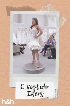 Kristi deseja um traje mais sexy, mas para as suas amigas isso não é uma boa ideia. Clique no link! 👰🏽💐🤍 #OVestidoIdeal #SayYesToTheDress #Casamento #VestidoDeNoiva #Noiva Discovery, Bouquet, Ballet Skirt, Plus Size, Link, Sexy, Skirts, Anime, Fashion